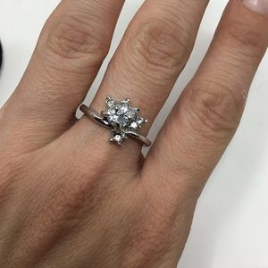 Cubic Zirconia Round Fan Setting Ring